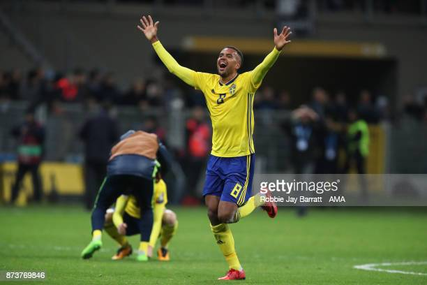 Isaac Kiese Thelin of Sweden celebrates at full time during the FIFA 2018 World Cup Qualifier PlayOff Second Leg between Italy and Sweden at San Siro...