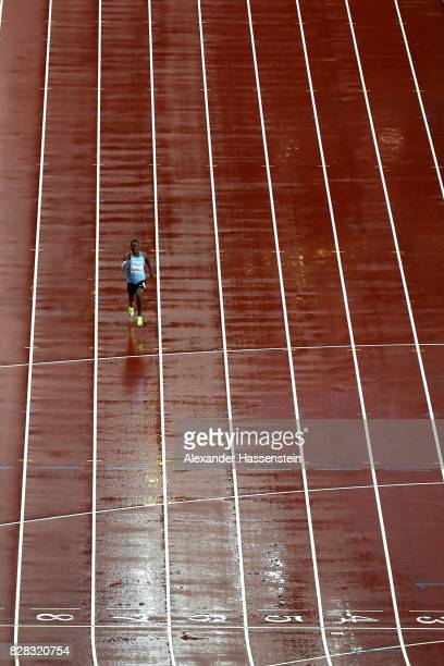 Isaac Makwala of Botswana competes in the Men's 200 metres qualification during day six of the 16th IAAF World Athletics Championships London 2017 at...