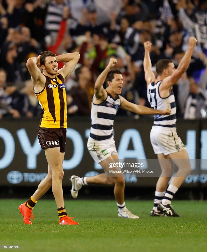 Isaac Smith of the Hawks reacts after missing a shot on goal after the siren to win the match during the 2016 AFL Second Qualifying Final match between the Geelong Cats and the Hawthorn Hawks at the Melbourne Cricket Ground on September 09, 2016 in Melbourne, Australia.