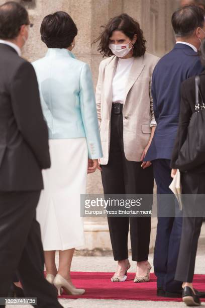 Isabel Diaz Ayuso, greets the President of the Republic of Korea, Moon Jae-in, and his wife, Kim Jung-sook, at the reception with military honors...