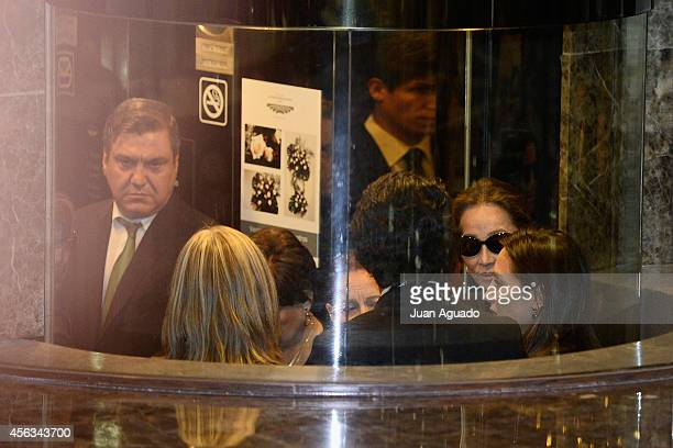 Isabel Preysler and Tamara Falco attends Parque San Isidro Cemetery following the death of Miguel Boyer on September 29 2014 in Madrid Spain Spanish...