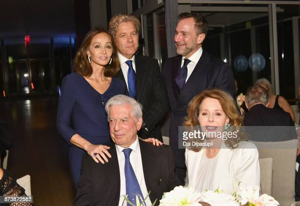 Isabel Preysler, Michael Smith, Mario Vargas Llosa, James Costos and Maria Hummer-Tuttle attend the Getty Medal Dinner 2017 at The Morgan Library &...