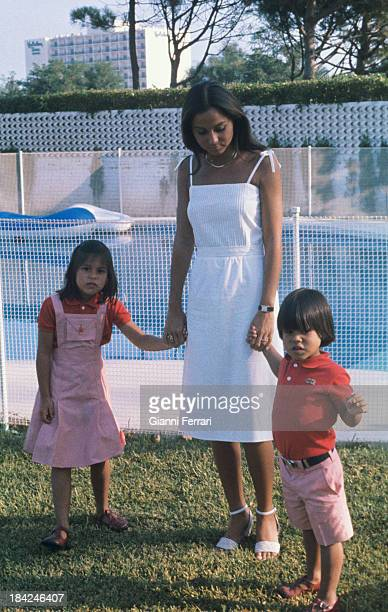 Isabel Preysler wife of the Spanish singer Julio Iglesias with her children Chaveli and Julio Madrid Castilla La Mancha Spain