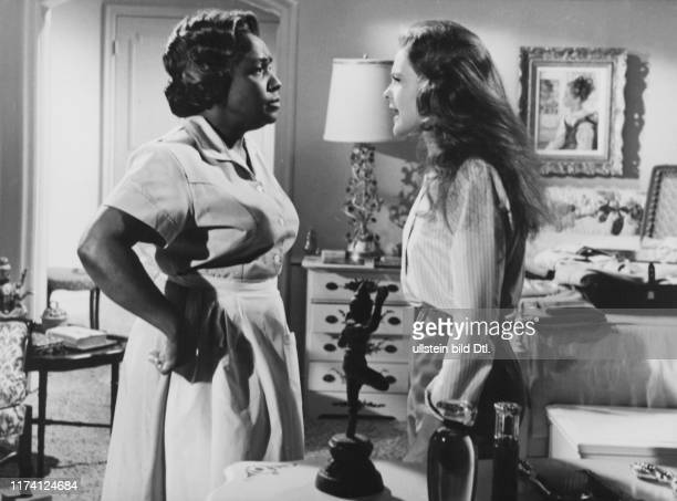 Isabel Sanford Katherine Houghton in Guess Who's Coming to Dinner 1967