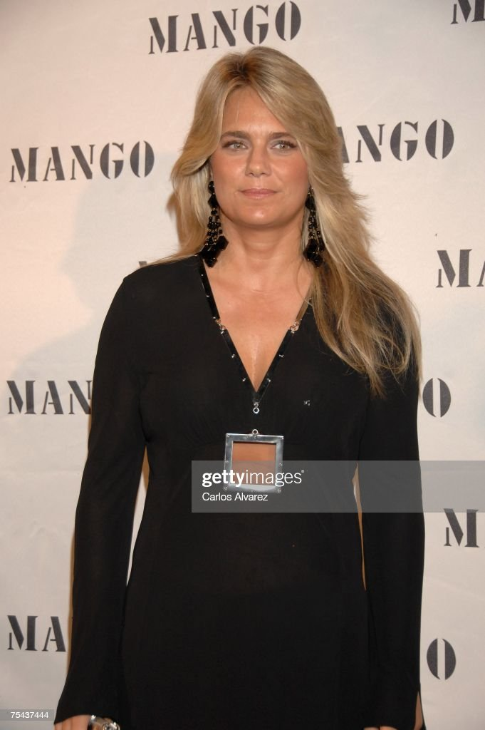Penelope And Monica Cruz Launch New Mango Collection In Ibiza Photos ...