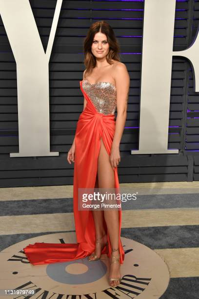 Isabeli Fontana attends the 2019 Vanity Fair Oscar Party hosted by Radhika Jones at Wallis Annenberg Center for the Performing Arts on February 24...