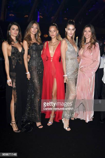 Isabeli Fontana Lorena Rae and guests attend the amfAR Gala Cannes 2018 dinner at Hotel du CapEdenRoc on May 17 2018 in Cap d'Antibes France