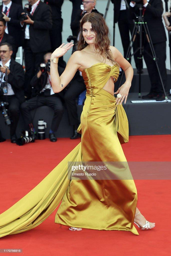 """La Vérité"" (The Truth) And Opening Ceremony Red Carpet Arrivals - The 76th Venice Film Festival : Fotografía de noticias"