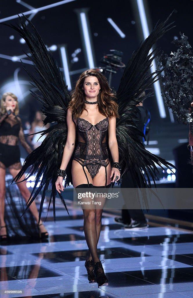 2014 Victoria's Secret Fashion Show - Runway : News Photo