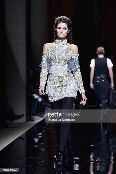 Isabeli Fontana walks the runway during the Balmain Menswear Fall/Winter 20162017 show as part of Paris Fashion Week on January 23 2016 in Paris...