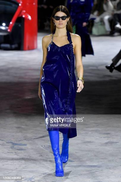 Isabeli Fontana walks the runway during the OffWhite Ready to Wear fashion show as part of Paris Fashion Week Womenswear Fall/Winter 2020/2021 on...