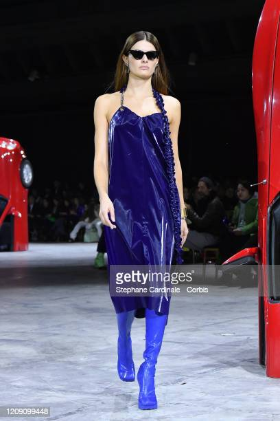 Isabeli Fontana walks the runway during the OffWhite show as part of the Paris Fashion Week Womenswear Fall/Winter 2020/2021 on February 27 2020 in...