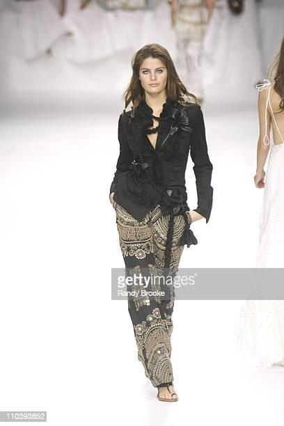 Isabeli Fontana wearing Cavendish Spring/Summer 2006