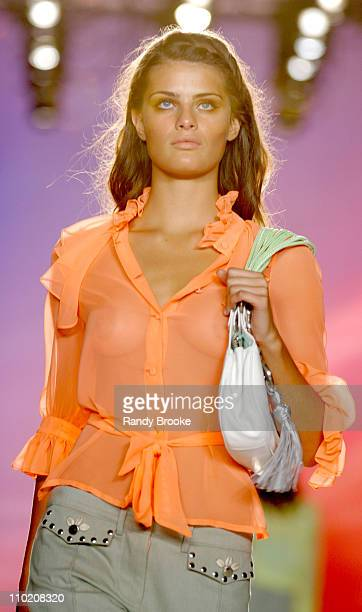 Isabeli Fontana wearing Matthew Williamson Spring 2005