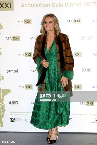 Isabella Ferrari attends MAXXI Acquisition Gala Dinner 2017 at Maxxi on November 13 2017 in Rome Italy
