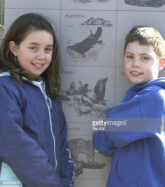 Isabella Hanby and Liam Hanby at the Melbourne Zoo on the first day of schools holidays on 27th June, 2005. THE AGE NEWS Picture by MICHAEL RAYNER