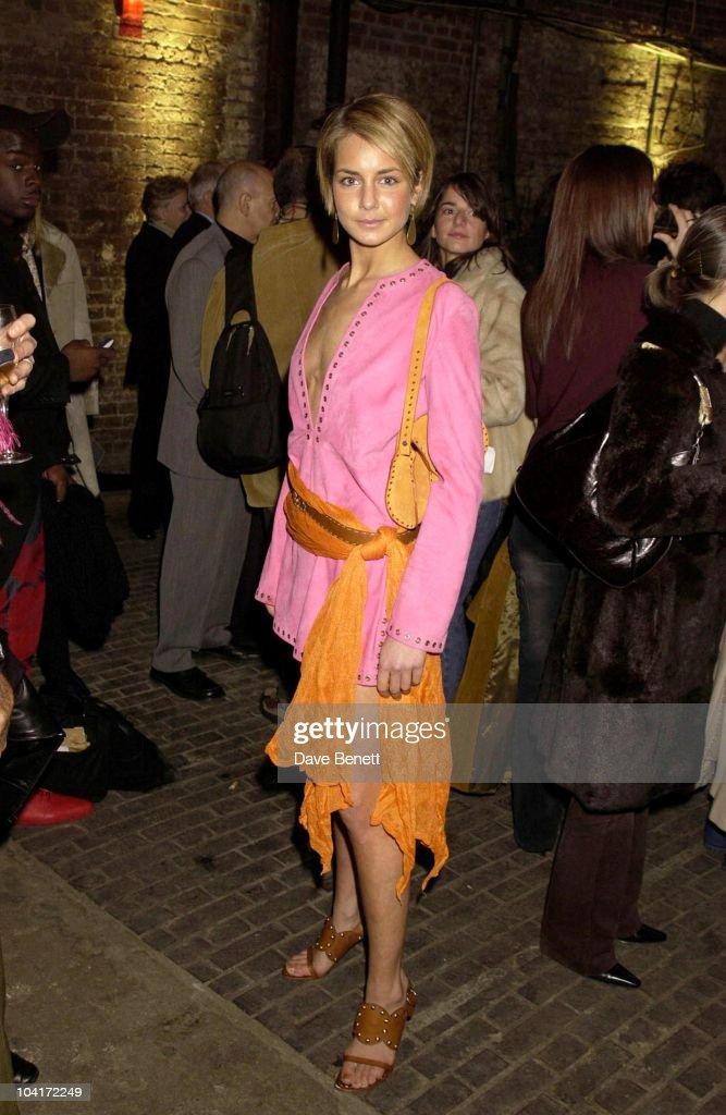Isabella Hervey, Julien Macdonald Fashion Show At The Roundhouse In Camden, London, London Fashion Week 2003