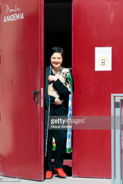 Isabella Rossellini attends the presentation of 'Link Link Circus' with her dog Pan the new show of Isabella Rosellini at Teatre Akademia on March 12...
