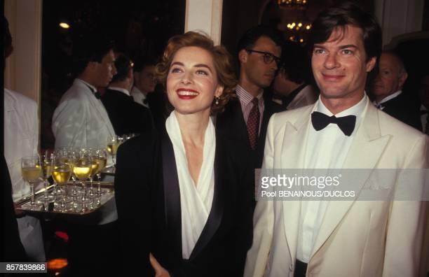 Isabella Rossellini avec son frere Robertino lors du 45eme Festival de Cannes le 10 mai 1992 a Cannes, France.
