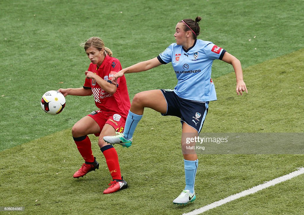 Isabella Scalzi of United is challenged by Nicola Bolger of Sydney FC during the round four W-League match between Sydney FC and Adelaide United at Seymour Shaw on November 27, 2016 in Sydney, Australia.