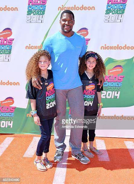 Isabella Strahan Michael Strahan and Sophia Strahan arrives at the Nickelodeon Kids' Choice Sports Awards 2014 on July 17 2014 in Los Angeles...