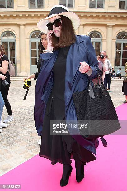 Isabelle Adjani arrives at the Schiaparelli Haute Couture Fall/Winter 2016-2017 show as part of Paris Fashion Week on July 4, 2016 in Paris, France.
