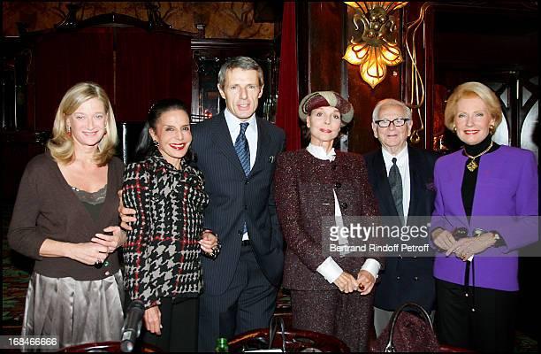 Isabelle Barnier Judith Pisar Lambert Wilson Elsa Martinelli Pierre Cardin and Monique Raimond lunch at Maxim's Ladies Club given in honor of Lambert...