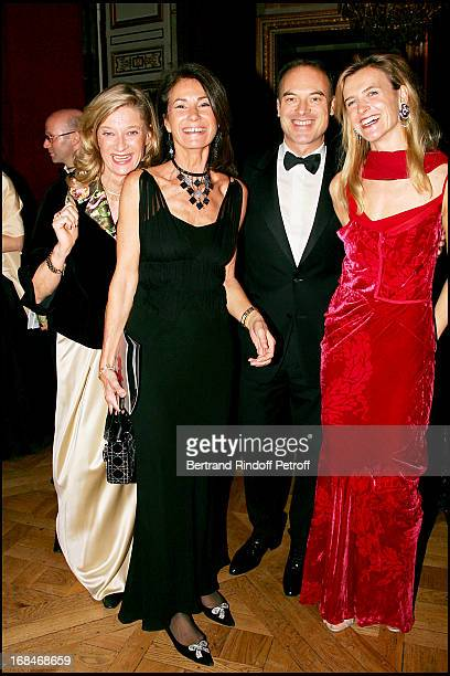 Isabelle Barnier Renaud Dutreil and his wife and Mrs Thierry Breton Gala dinner for the international night of childhood 2006 at the Chateau De...