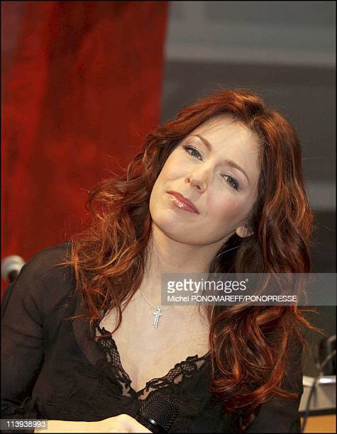 Isabelle Boulay singer In Canada On May 10 2004