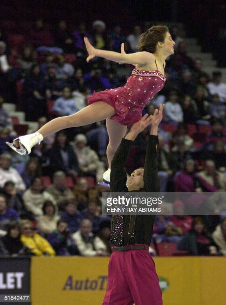 Isabelle Brasseur and Lloyd Eisler of Canada perform in the pairs artistic program at the Goodwill Games 18 February 2000 in Lake Placid New York The...