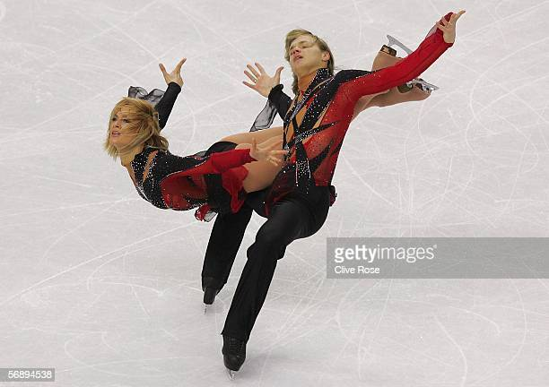 Isabelle Delobel and Olivier Schoenfelder of France perform during the Free Dance program of the figure skating during Day 10 of the Turin 2006...