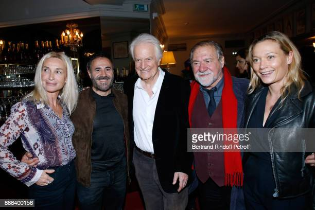 Isabelle Doval her husband Jose Garcia actor of the piece Andre Dussollier Pierre Santini and Caroline Vigneaux attend the 'Novecento' 200th...