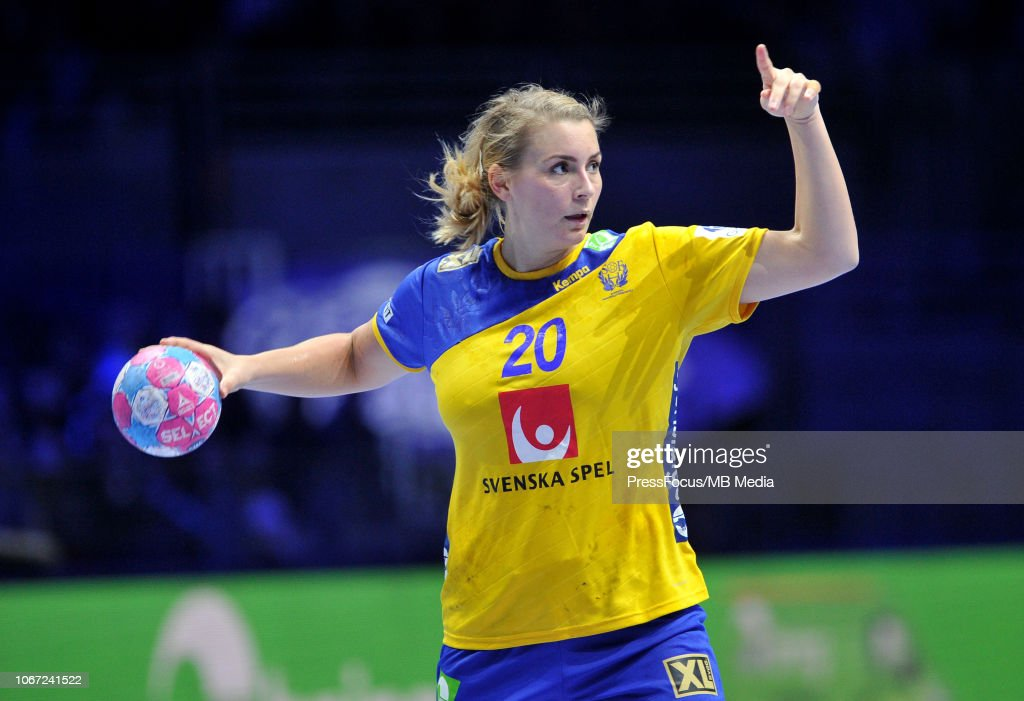 Denmark v Sweden - EHF Women's Euro 2018 : Photo d'actualité