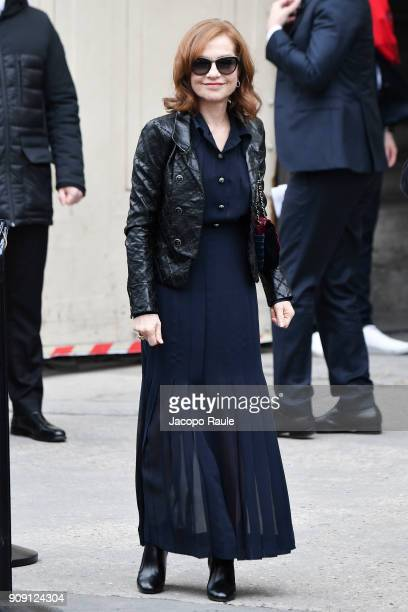 Isabelle Huppert is seen arriving at Chanel Fashion show during Paris Fashion Week Haute Couture Spring/Summer 2018 on January 23 2018 in Paris France