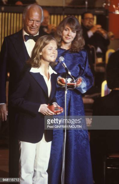 Isabelle Huppert received the best actress award at Cannes Film Festival for her role in 'Violette Noziere' Jill Clayburgh received the best actress...