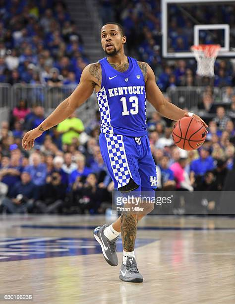 Isaiah Briscoe of the Kentucky Wildcats brings the ball up the court against the North Carolina Tar Heels during the CBS Sports Classic at TMobile...