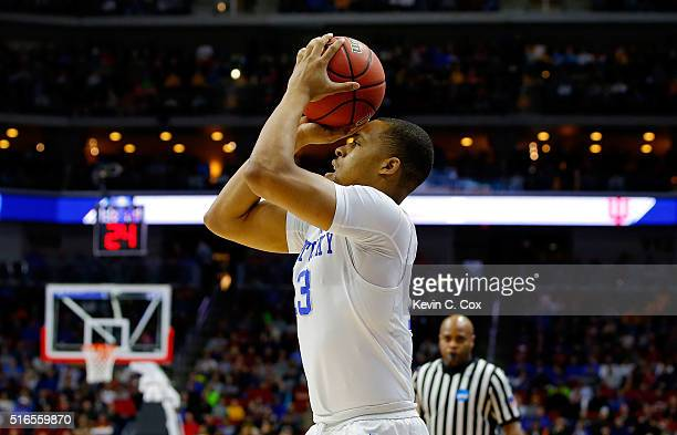 Isaiah Briscoe of the Kentucky Wildcats shoots for three in the first half against the Indiana Hoosiers during the second round of the 2016 NCAA...