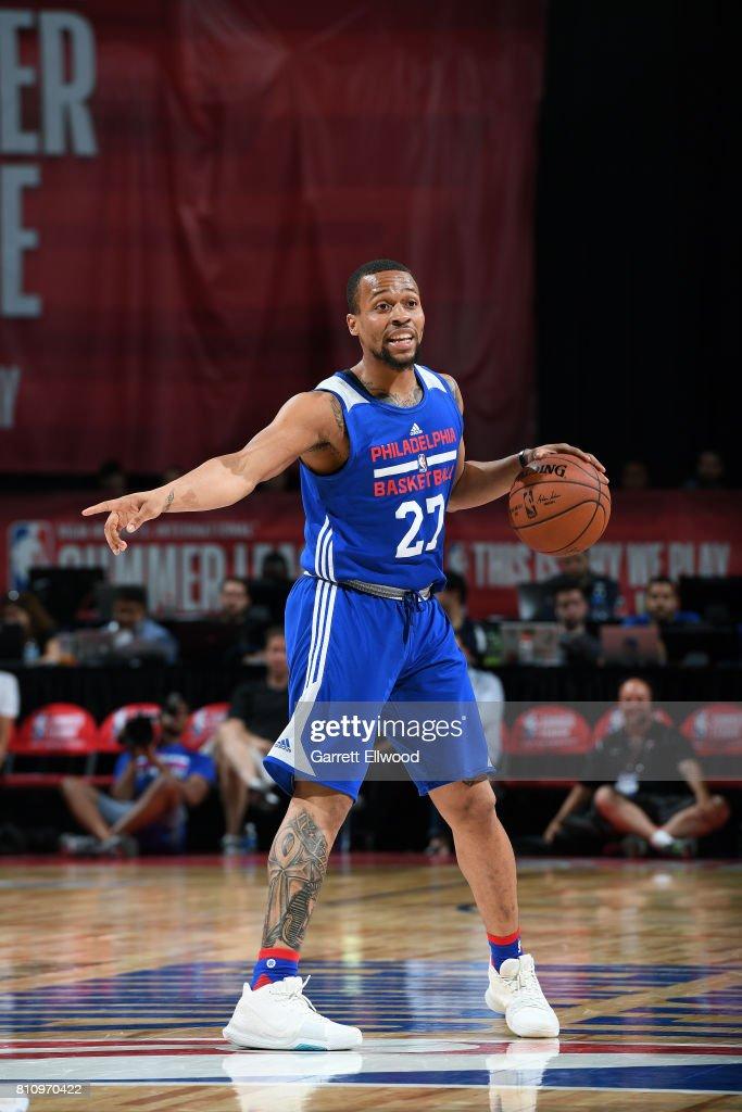 2017 Las Vegas Summer League - Philadelphia 76ers v Golden State Warriors : News Photo