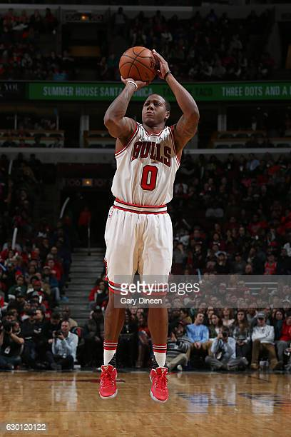 Isaiah Canaan of the Chicago Bulls shoots the ball against the Milwaukee Bucks on December 16 2016 at the United Center in Chicago Illinois NOTE TO...