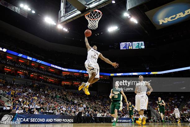 Isaiah Canaan of the Murray State Racers goes up for the dunk against Wes Eikmeier of the Colorado State Rams during the second round of the 2012...