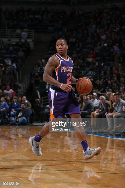 Isaiah Canaan of the Phoenix Suns handles the ball during the game against the Milwaukee Bucks on January 22 2018 at the BMO Harris Bradley Center in...