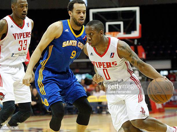 Isaiah Canaan of the Rio Grande Valley Vipers takes the ball to the basket against Cameron Jones of the Santa Cruz Warriors on April 21 2014 during...