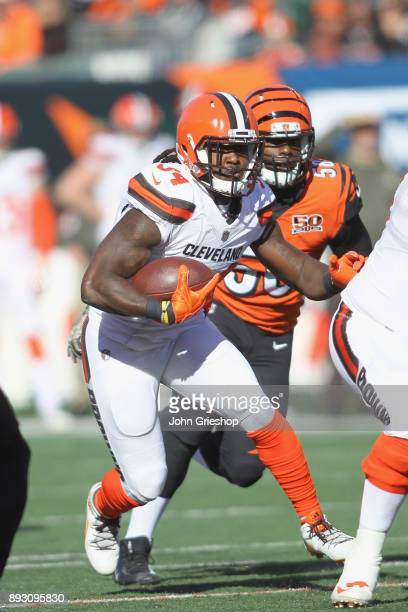 Isaiah Crowell of the Cleveland Browns runs the football upfield during the game against the Cincinnati Bengals at Paul Brown Stadium on November 26...