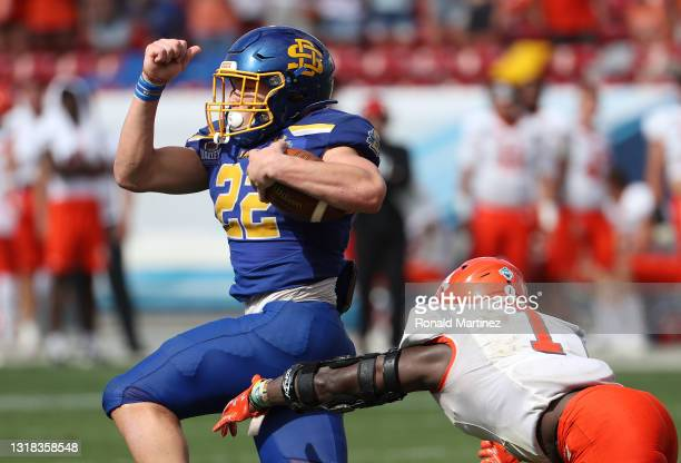 Isaiah Davis of the South Dakota State Jackrabbits runs for a touchdown against the Sam Houston State Bearkats in the fourth quarter during the 2021...