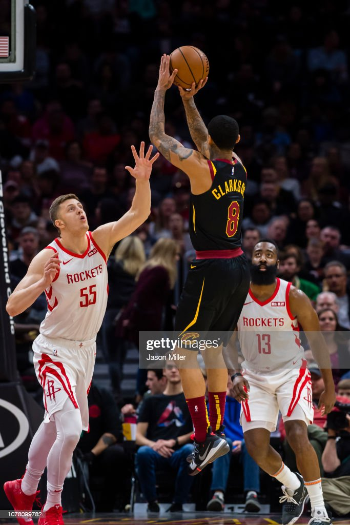 01ea2e7f82d Isaiah Hartenstein and James Harden of the Houston Rockets attempt ...