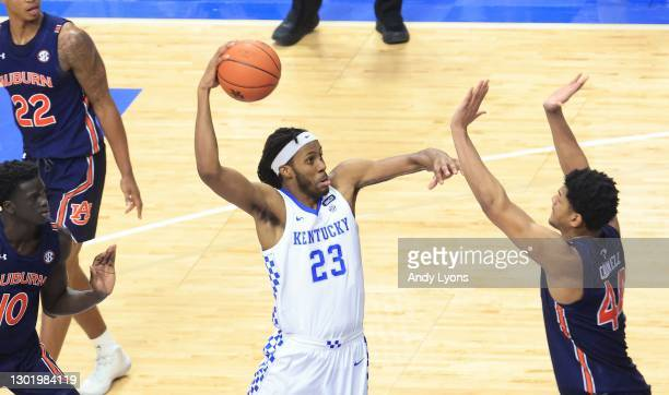 Isaiah Jackson of the Kentucky Wildcats shoots the ball against the Auburn Tigers at Rupp Arena on February 13, 2021 in Lexington, Kentucky.