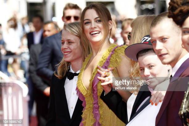 Isaiah Stone Riley Keough Andrea Arnold Veronica Ezell and McCaul Lombardi attend the premiere of 'American Honey' during the 69th Annual Cannes Film...