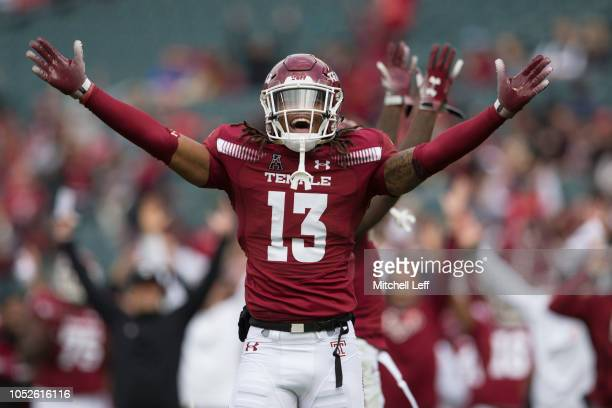 Isaiah Wright of the Temple Owls reacts after a touchdown by Randle Jones in the first quarter against the Cincinnati Bearcats at Lincoln Financial...