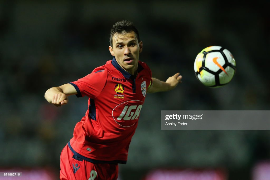 A-League Rd 7 - Central Coast v Adelaide : News Photo