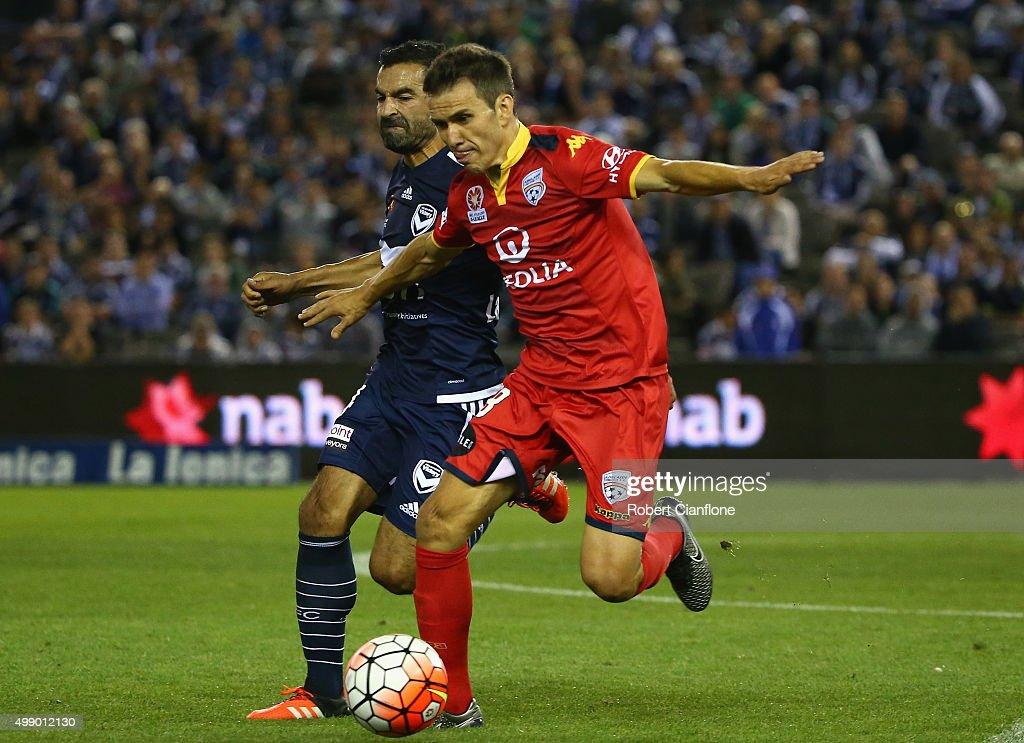 A-League Rd 8 - Melbourne v Adelaide : News Photo